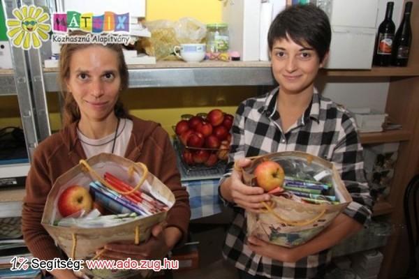 Ajándékcsomagokat vittünk gyermekprogramok résztvevőinek