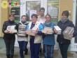 Az egész országból érkeztek ajándékok, melyekből a KArácsonyi Ajándékbazáron válogathattak az odalátogatók